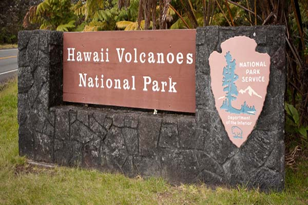 Volcanoes-National-Park-entrance